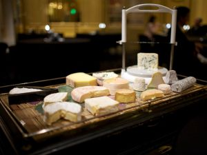 le-chateau-de-joel-robuchon-cheese-cart