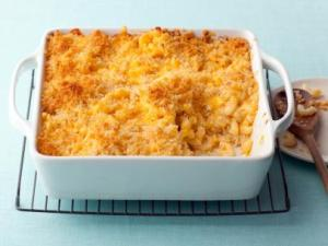 EA1E10_Baked-Macaraoni-and-Cheese_s4x3.jpg.rend.sni12col.landscape