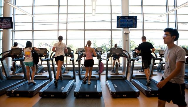 121011_sports_center_treadmills